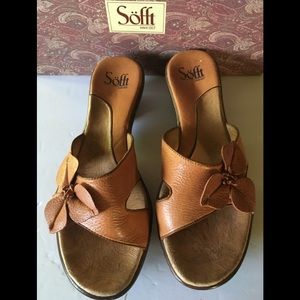 Sofft Sandals with Flower
